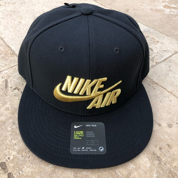 3637a808da33c Nike Air True Mens Hat - NEW